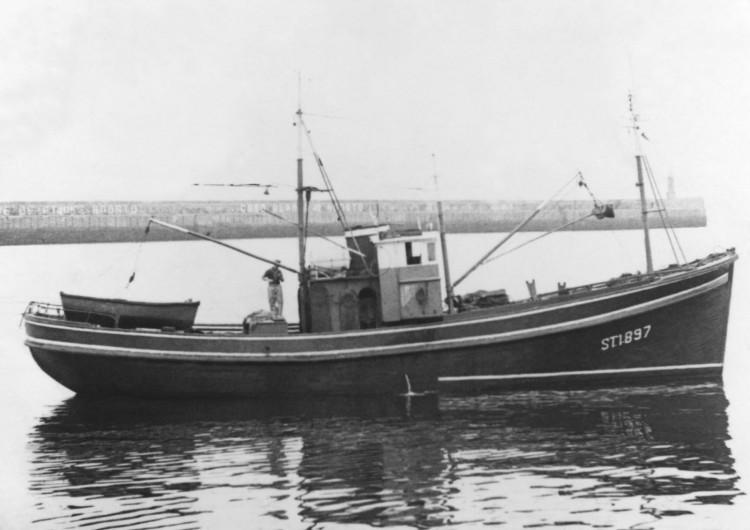 barco 750x530 - LA HISTORIA DE VIRAL ZOMBIE REAL GAME